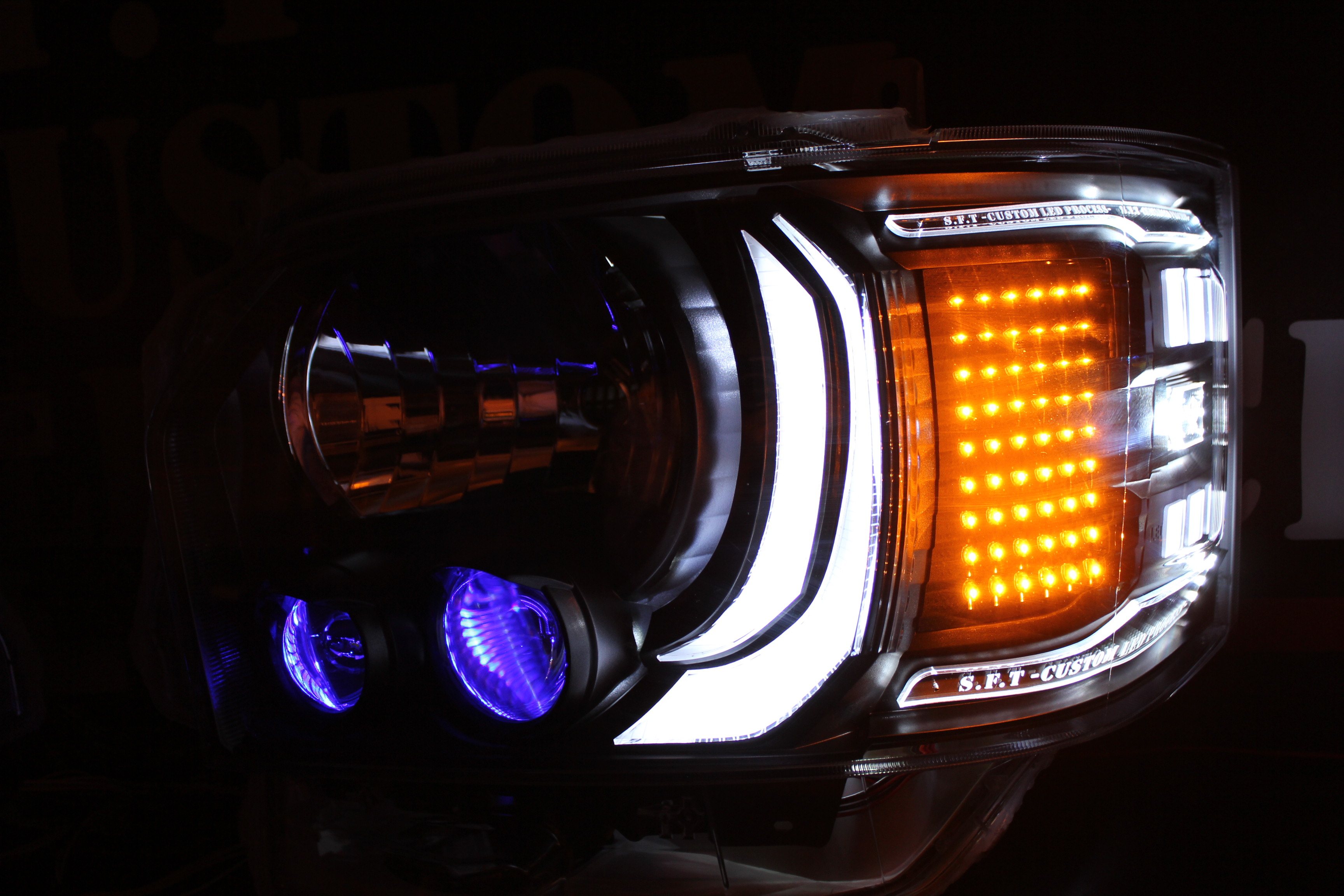 ハイエース4型 ライト加工