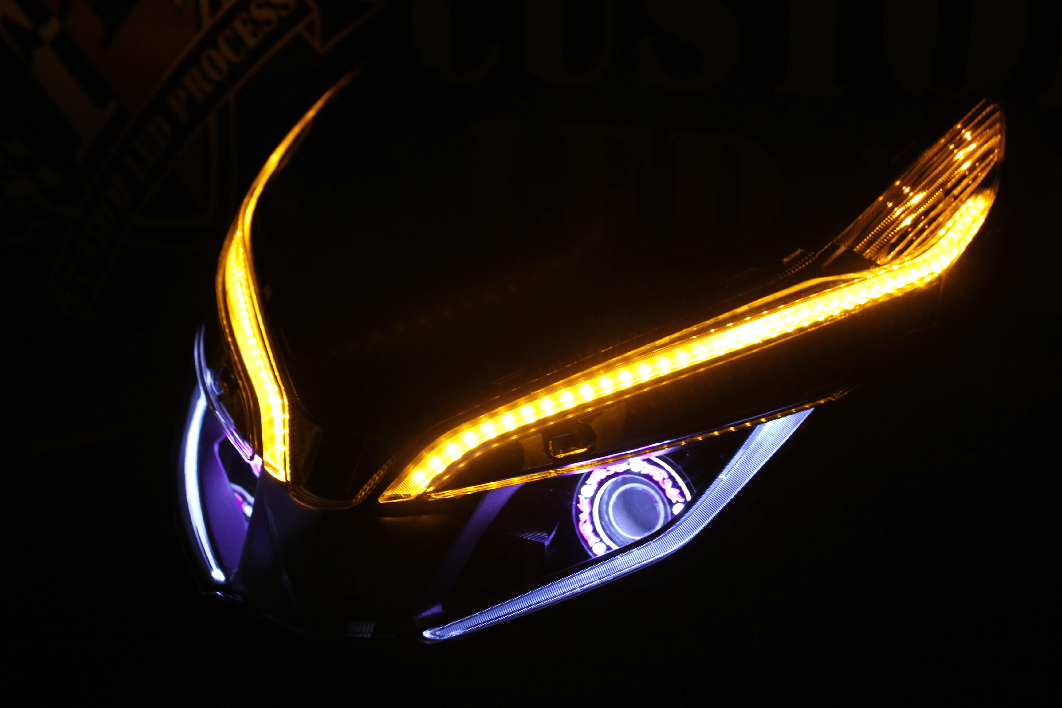 PCX ヘッドライト加工
