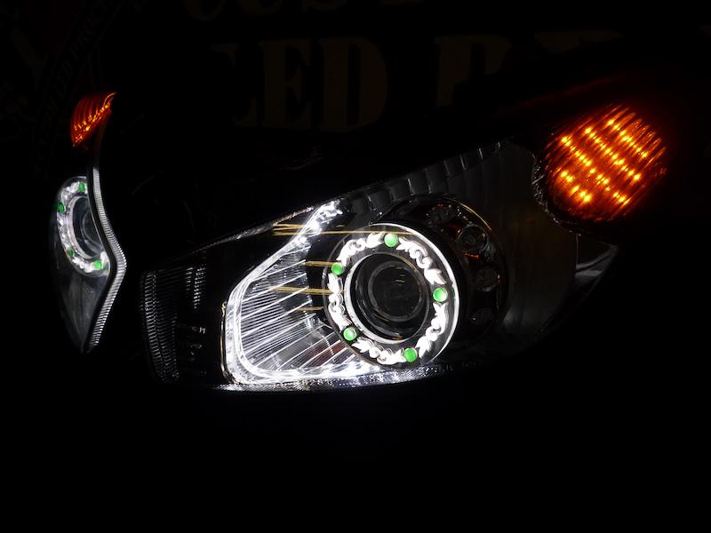 ニンジャ Z1000 ヘッドライト加工